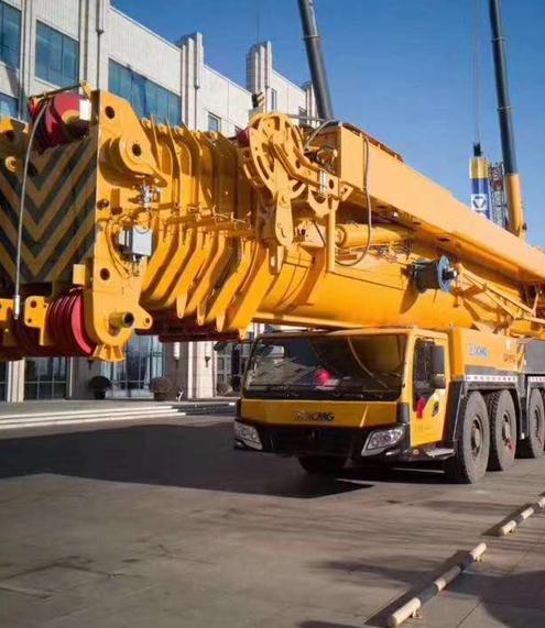 大吨位入门130吨级,选8节臂还是7节臂?